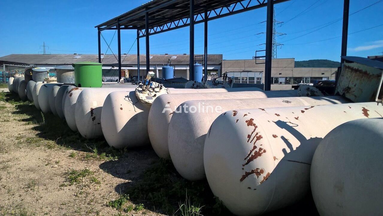 Underground  gas tank trailer